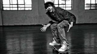 Justin Bieber - Bigger Official Single + Lyrics + Headset (HD) [CC] Mp3