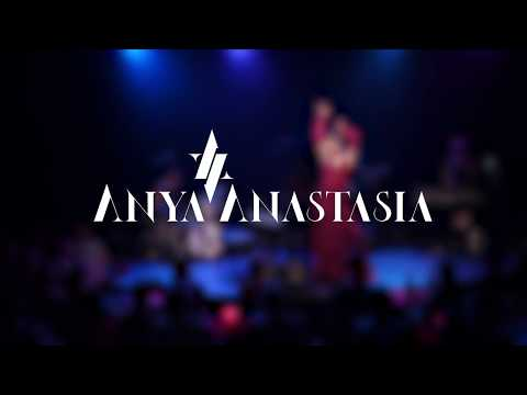 Anya Anastasia: ROGUE ROMANTIC