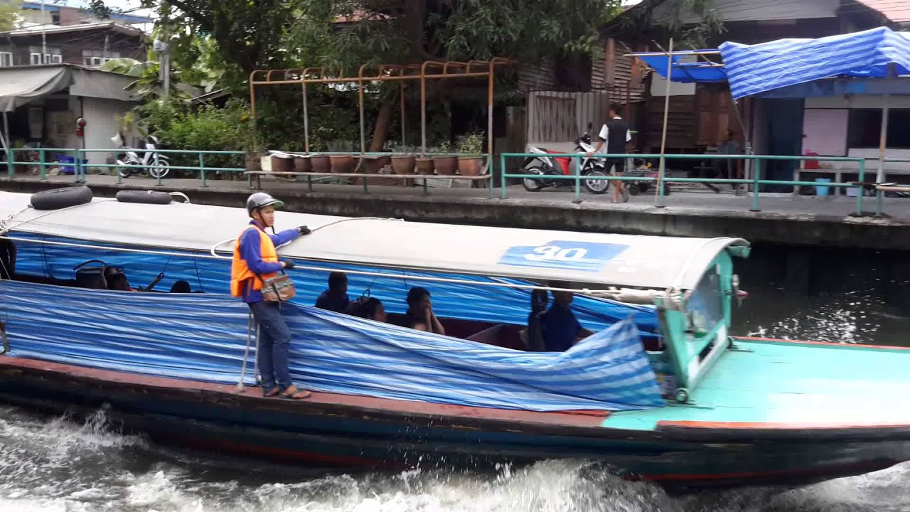 Baan Krua Nua silk-weaving community - Saen Saeb Canal - YouTube