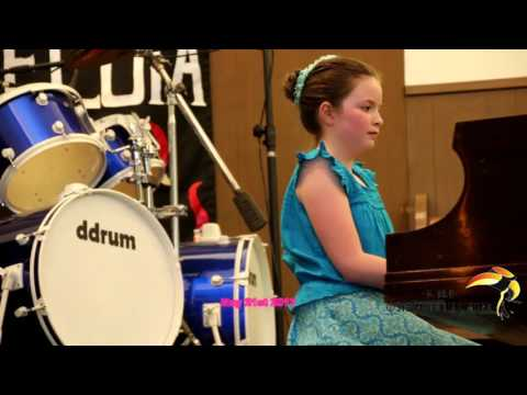 San Hoih a lawm te tawh piano Show