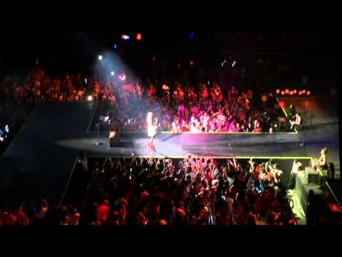 Taylor Swift - RED Tour Live In Malaysia 11.06.2014 (Mean)