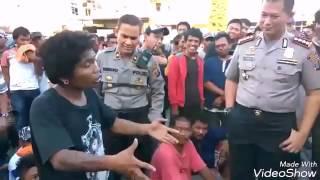 Download lagu Stand up preman batak vs polisi