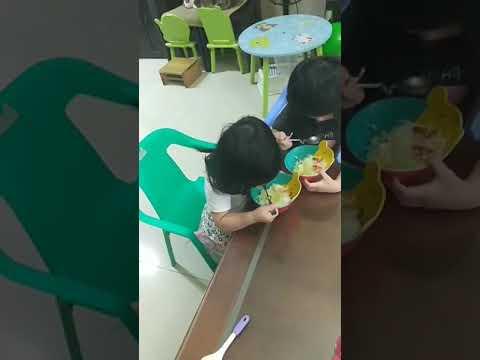 佩佩豬小妹(自己吃飯飯)20190520
