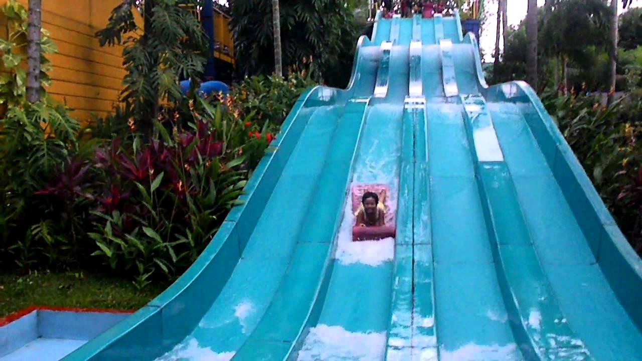 Asyiknya Main Racer Slide In The Jungle Waterpark Bogor