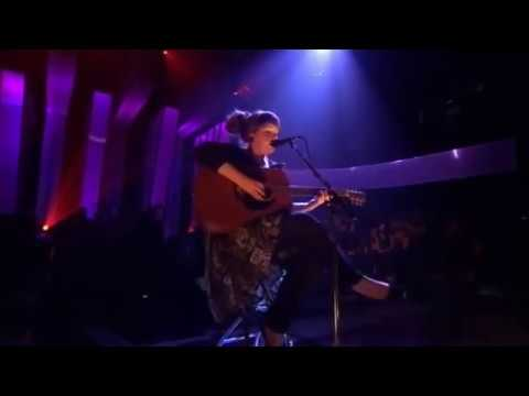 Adele - Daydreamer (Live Jools Holland 2007)