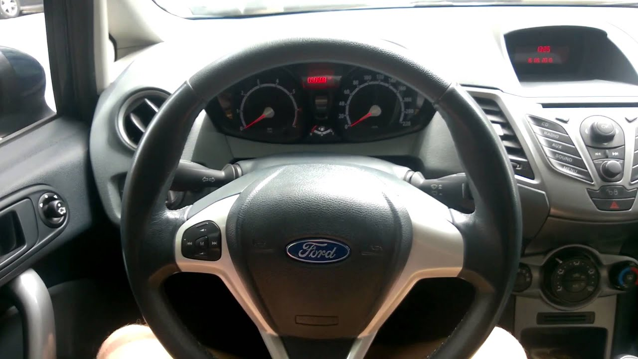 ford fiesta 2010 interior overview youtube. Black Bedroom Furniture Sets. Home Design Ideas