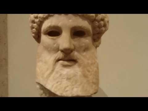 METROPOLITAN MUSEUM OF ART AND THE MET MANHATTAN NY  USA 28/12/2016 213119