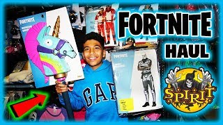 FORTNITE COSTUMES & PROPS at SPIRIT HALLOWEEN Store with SECRETE VIP tour (HAUNTED HOUSE!!)