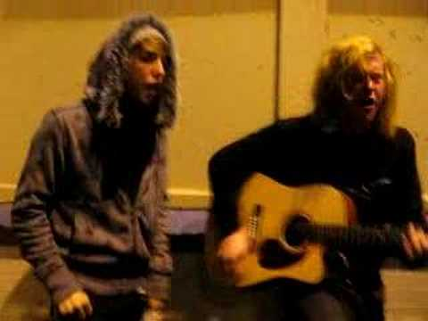 alex & travis jam session (all time low& we the kings)