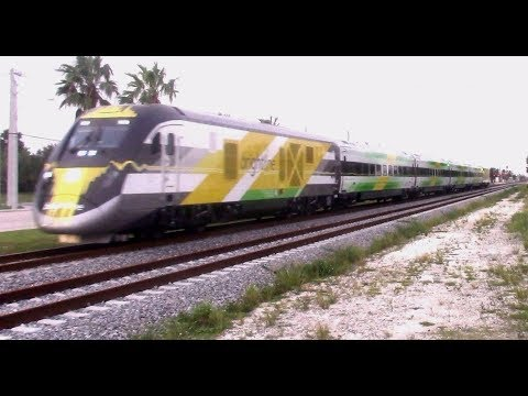 {HD} ZOOM! Brightline's BrightGreen Trainset rushes through Dixie Highway!