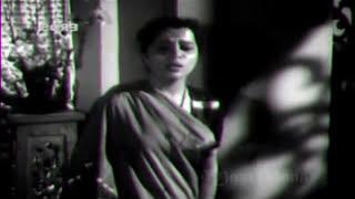 Mitti se khelte ho baar-baar kis liye..lata - Shailendra- S J - Patita(1953)..a tribute