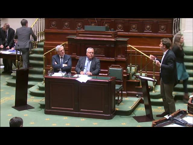 Gilles Vanden Burre (Ecolo) interpelle Kris Peeters (CD&V) sur les conditions des livreurs Deliveroo