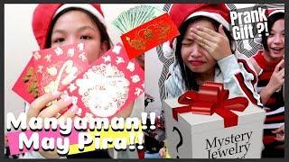 Mystery Christmas Gifts | Angpao Haul!! ni Alexa | Vlogmas Day 26 | Aurea & Alexa