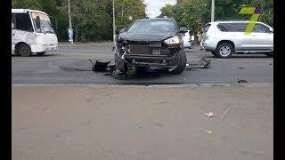 Лобовое столкновение в Одессе: в одной из машин находилась женщина с ребенком