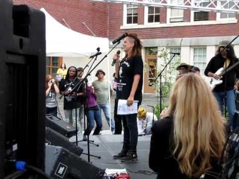 Jimi Hendrix Memorial - 2010-09/18 - Tina Hendrix - Randy Hansen - Seattle - 1
