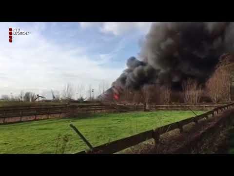 Grote brand in jachthaven IJsselstein [RTV Utrecht]