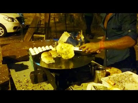 Awesome Mumbai Street Food Egg Bhurji Omlette Boiled Egg Pav | Indian Street Food | 2016 [HD 1080p]