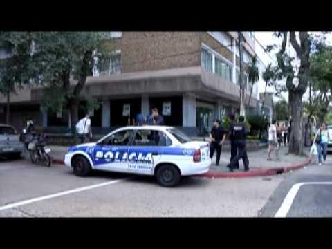 Dos solitarios asaltantes se llevaron US$10.000 del Credit Uruguay