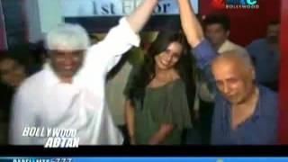 Repeat youtube video Shah Rukh, Katrina Kaif Switzerland Bound for Romantic Song Shoot