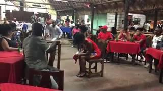 Columbia. Rumba cubana. Salto con machetes