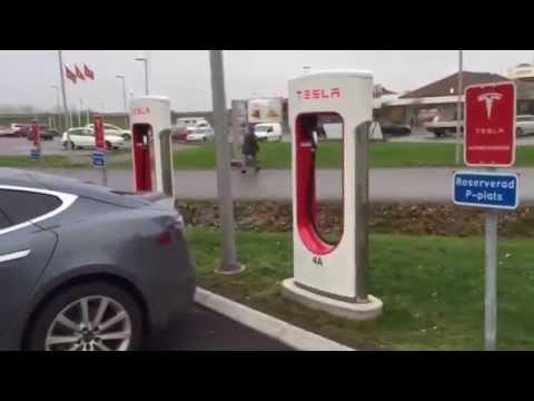 Cómo funcionan los Supercharger de Tesla?