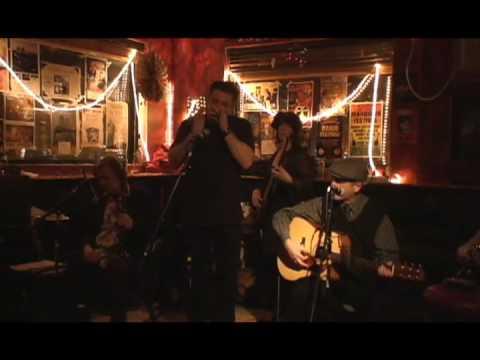 "Brad Vickers & His Vestapolitans ""It's Gonna Be Me"""