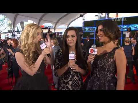 Adrianna Costa Interviews Megan and Liz - Coca-Cola Red Carpet LIVE!@ the 2012 AMAs