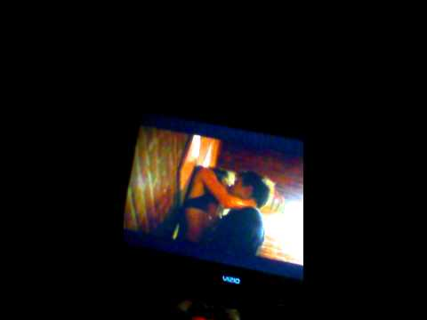 Taylor lautner kiss tracers