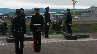 Salutt på Akershus festning 8.05.2014