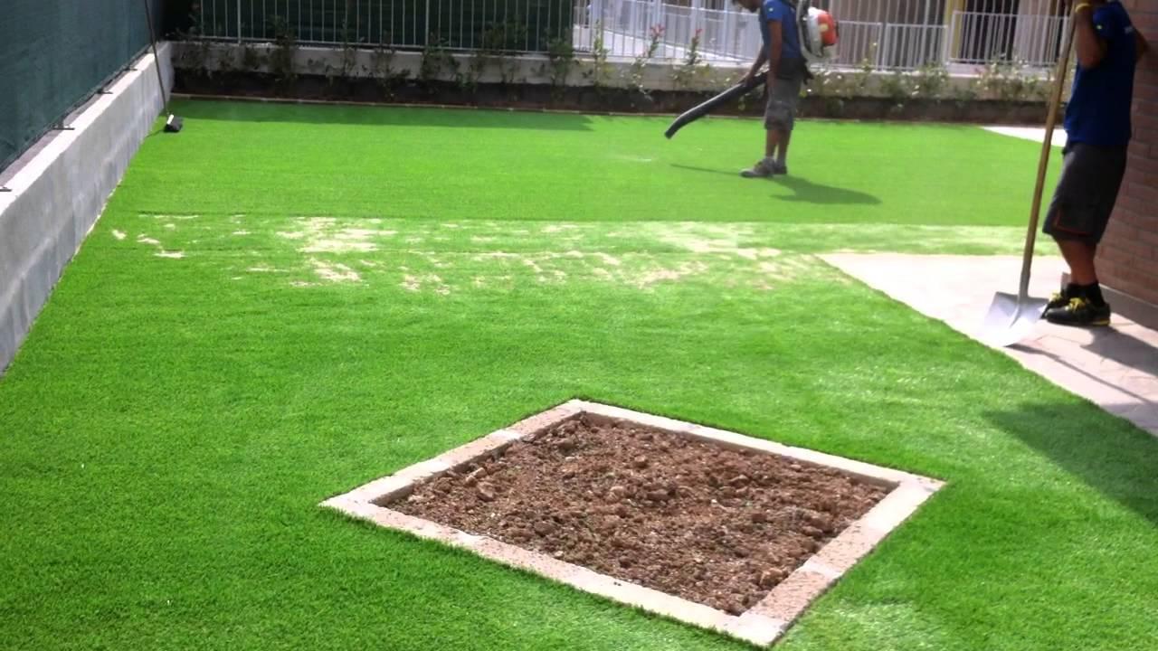 Bellissimo giardino e prato in erba sintetica synthetic - Erba sintetica da giardino ...