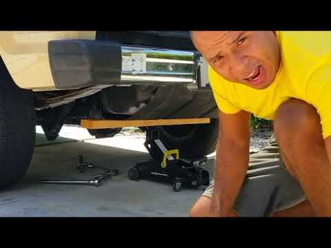 How To Remove Fuel Tank From 1985 Ford Bronco 2 Youtube
