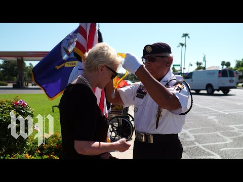 The emotional moment a veteran gave Cindy McCain his Vietnam medallion