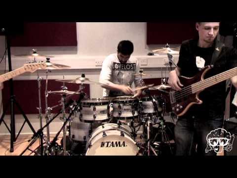 Labrinth ft. The Bakery Band - Earthquake CakeMix Live