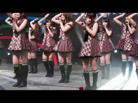 AKB48 - First Rabbit (1) @ Tokyo Auto Salon Singapore 130413