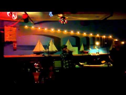 Karaoké Born to be Wild live @ Flippers pub, Whitehorse