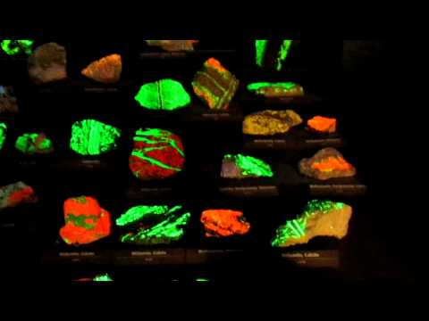 EXTREME RARE GLOWING MINERAL ROCKS