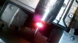 Сварка трением на токарном станке(Свариваемые детали - пруток Ф8 мм. из Ст.45. Обороты - 2000 об/мин Первые мои эксперименты по этому поводу. Уже..., 2016-02-26T18:35:25.000Z)