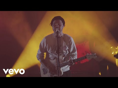 lovelytheband - broken (Front & Center)