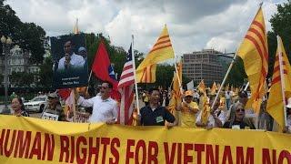 Biểu tình phản đối TBT Nguyễn Phú Trọng