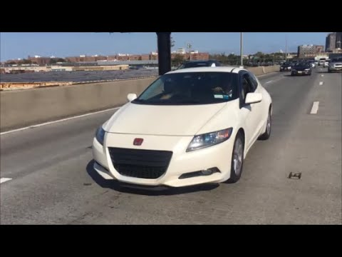 2011 Honda CR-Z Driver Review: The ultimate compact car!