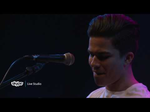 Alex Aiono - Work The Middle (LIVE 95.5)