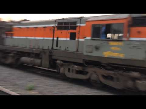 Chandigarh Gorakhpur Special Express at Mps