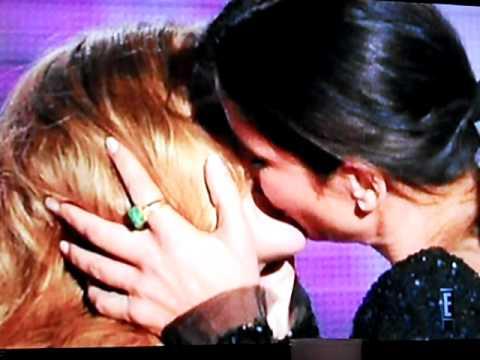 Penelope cruz in lesbian kiss from tata tota lesbian blog - 2 part 7