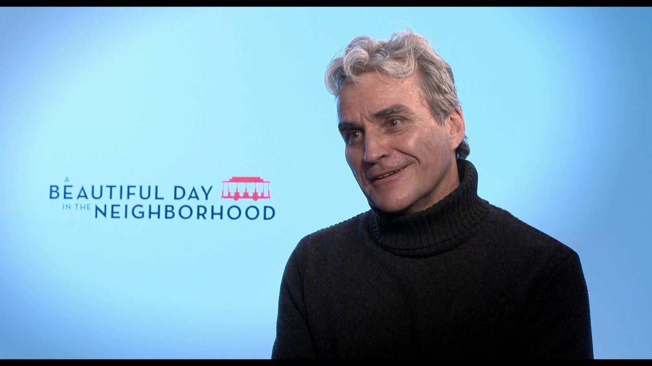 A Beautiful Day In The Neighborhood Itw Tom Junod Official Video Youtube
