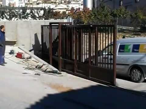 Puerta corredera telesc pica triple 3 youtube - Puertas correderas de madera ...