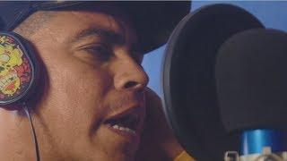 Roberto Ruiz Ortega Performs Reggaeton Mix