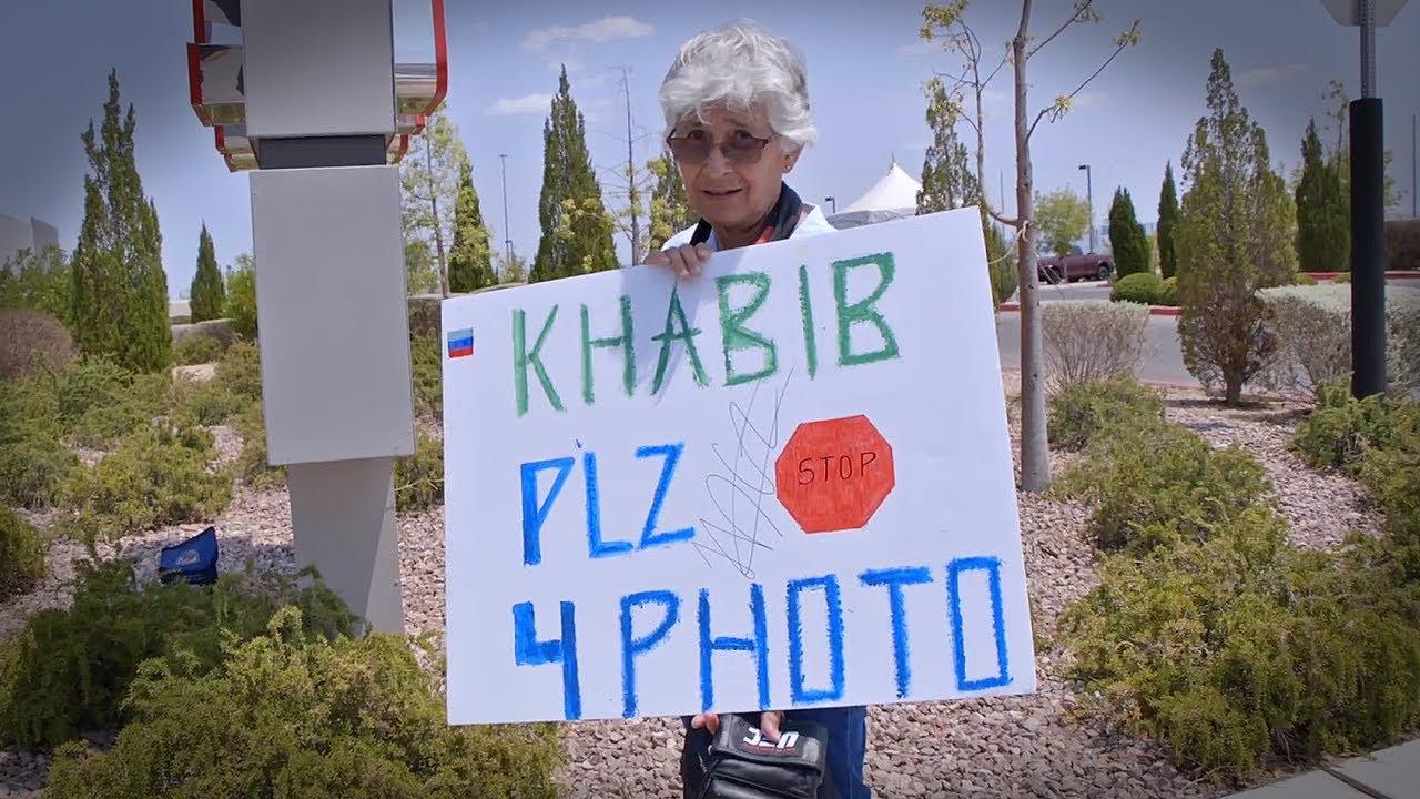 OLD LADY WAITED HOURS FOR KHABIB PHOTO