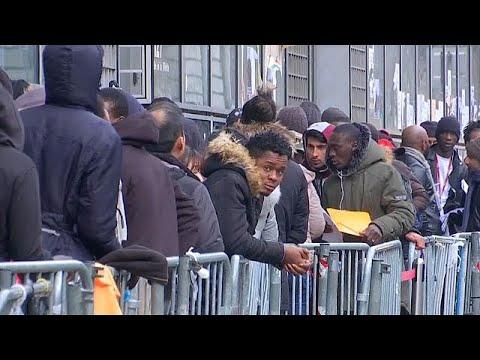 Pedidos de asilo em queda na Alemanha mas com recorde em França
