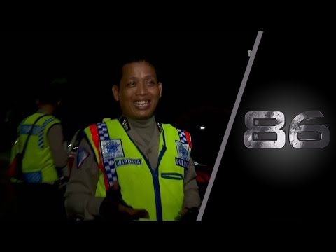 Balap Liar, Pria Ini Nangis Histeris Ditangkap Petugas - 86