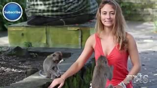 Freche Tiere ziehen Frauen aus!! [HOT]